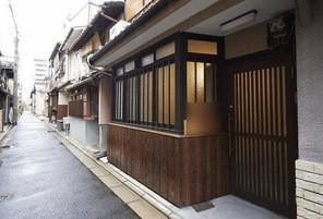 京都府京都市下京区東洞院通五条下る和泉町の外観