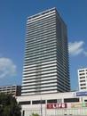 ロイヤルメドゥ香里園タワーの外観