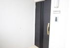 プレミアムコート照屋の玄関