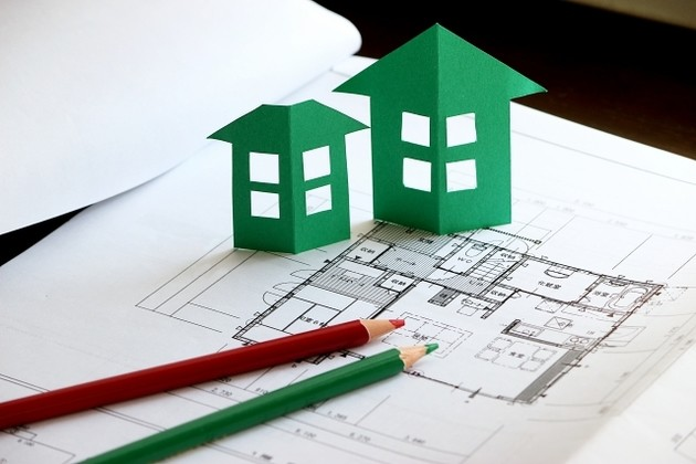 【住宅ローン】建物完成前の融資は実行されないけど……注文住宅の場合はどうすればいい?