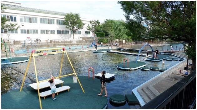 無料で水上アスレチックや和船が楽しめる!夏休みは横十間川親水公園で遊び納め