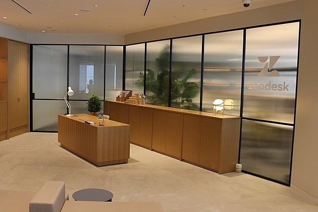 人が集まる場としての居心地を追求した「Zendesk」のオフィス