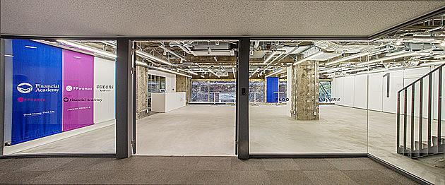 教室、執務室、コミュニティスペース。「FLOC」の3つの顔を持つオフィス
