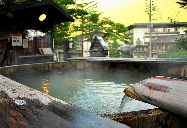 温泉の近くで暮らしたい!23区内の温泉と、その付近の物件事情