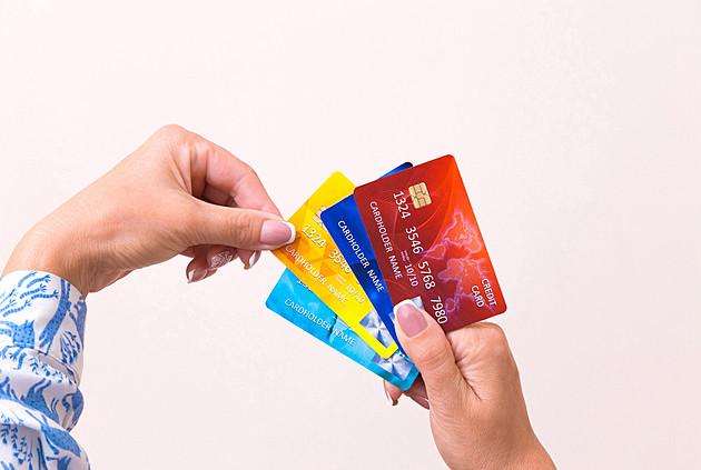 お得な使い方は?クレジットカード「複数使い」のメリット・デメリット