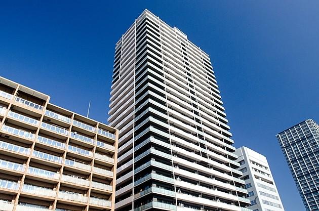 タワーマンションのメリット・デメリットとは?「住む」VS「所有」による評価の違いを解説