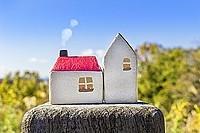 「擁壁のある物件」のトラブルとは?擁壁の上の家購入時のリスクと調査ポイント