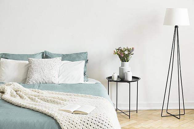 せまい部屋でも大丈夫!部屋を広く見せるための「ベッド配置」5つのポイント