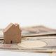 「住みながら家を売る」ためのポイント6選!リバースモーゲージやリースバックについても解説