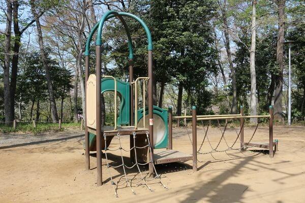 さぎ山記念公園のアスレチック広場