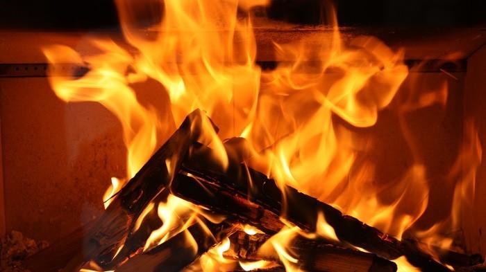 【連載:茨城・稲敷暮らし】Vol.9 「火のある暮らし」を実践してみた! ……YouTubeで