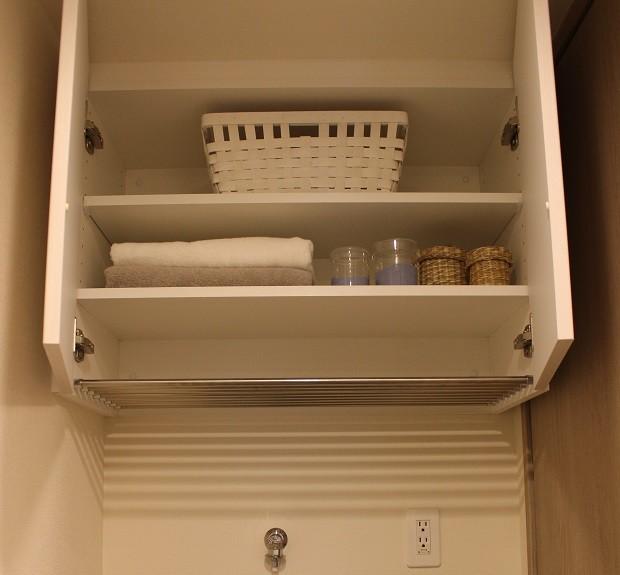 洗濯機の上の収納スペース