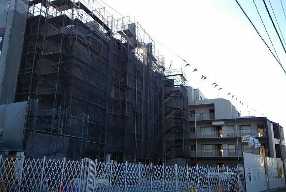 建設中の新築マンション