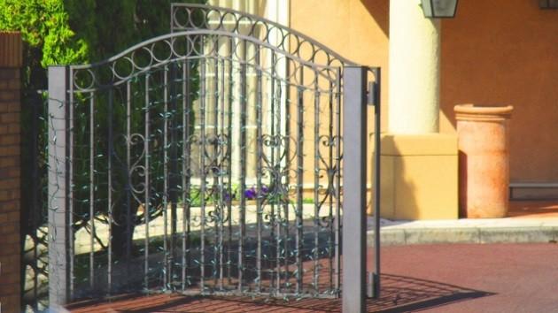 門扉の種類を知って防犯意識を高めよう