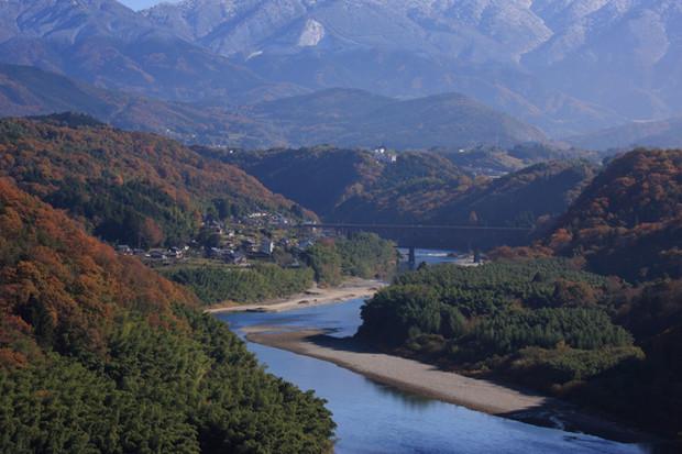 木曽川の傍に位置する、子育てや通勤に便利な街・弥富市